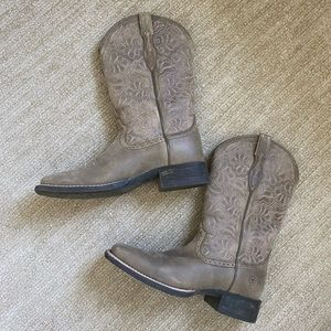 NWOT (only worn once) BootBarn Boots Size 8.5